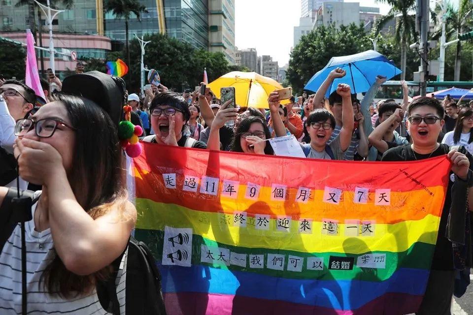 台湾同性恋人,可以结婚了。