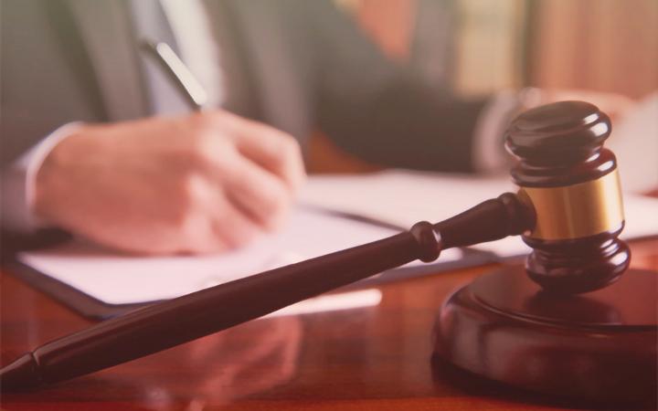 劳动仲裁请律师多少钱(劳动仲裁律师费收费标准)-菏泽刑事律师电话免费咨询