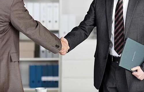 企业律师咨询收费多少钱(免费24小时律师咨询)-菏泽刑事律师电话免费咨询