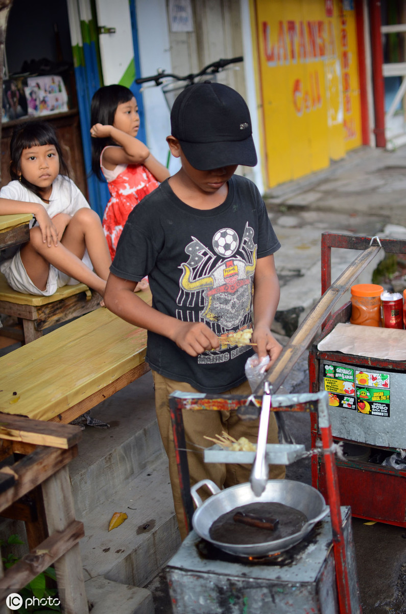 16岁属于童工吗?使用童工会受到哪些处罚?