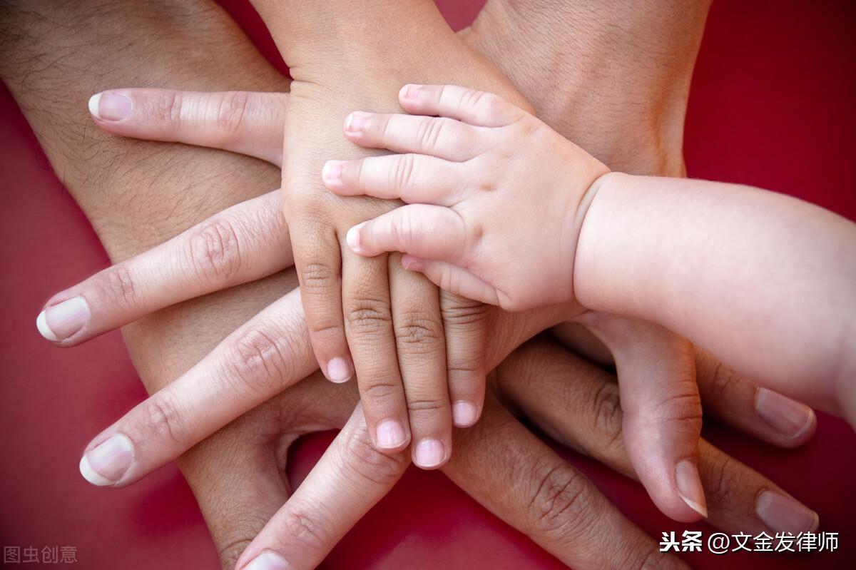 儿媳在法律上有没有赡养家公家婆的义务?