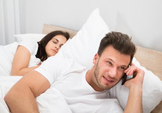 夫妻感情破裂后该离婚还是将就?听听过来人怎么说