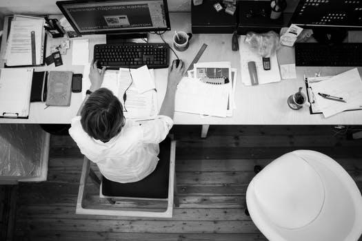 企业不续签合同的赔偿是怎样的,怎么规定的?