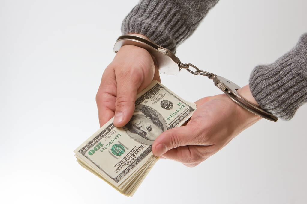 借钱给朋友后他就失踪了,报警有用吗?