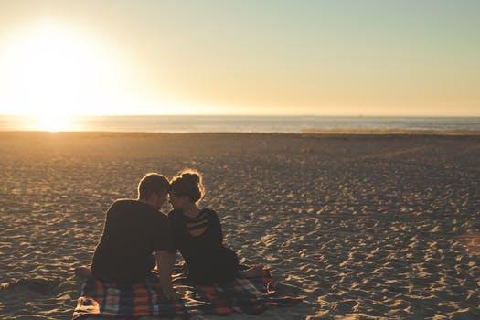 哺乳期内能离婚吗?在什么情况下哺乳期内可以离婚?