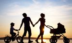 孩子的监护人能填奶奶或爷爷吗
