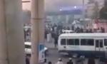 喀布尔机场突发火灾,现场浓烟滚滚,几小时前附近曾发生交火