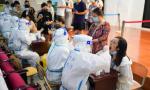 南京2岁男童做核酸检测被感染,多地核酸检测人员密集无序